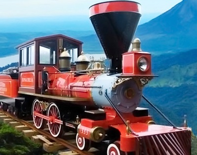 Revisit Costa Rica´s railway history on the Monteverde Cloud Forest Train