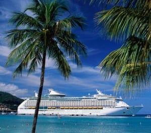 Cruise ship in Costa Rica, photo by Costa Rica Star