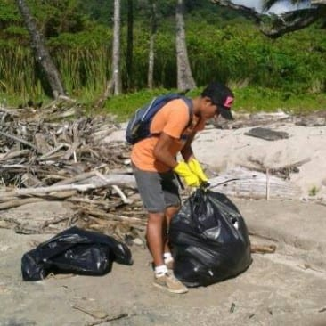 Ocean pollution kept at bay on Santa Teresa, Costa Rica