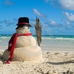 christmas-snowman-on-beach-thumb10858108