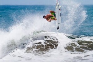 Luis Vindas, photo by Agustin Munoz of 7mares surf magazine
