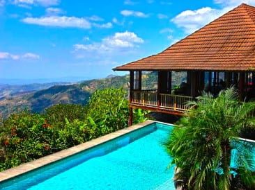 Find out why people love living in Atenas Costa Rica