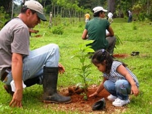 Titi Conservation Alliance planting trees for squirrel monkeys