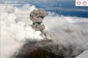 Volcano Turrialba explosion Oct. 30 2014, image by OVSICORI