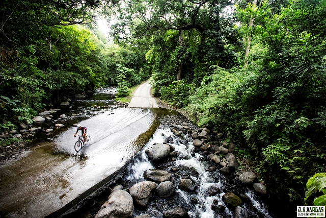 Cycling Costa Rica amazing nature, image by Lead Adventure Media
