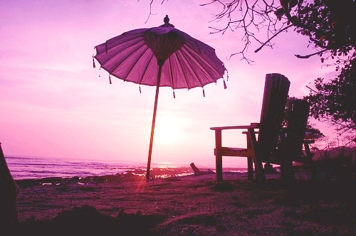 See fabulous Santa Teresa Costa Rica sunsets from Pranamar Villas' beachfront bar