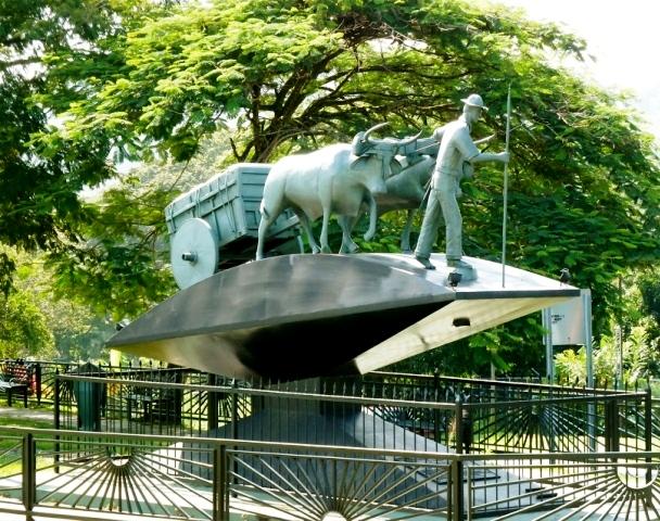 Atenas Costa Rica oxcart monument