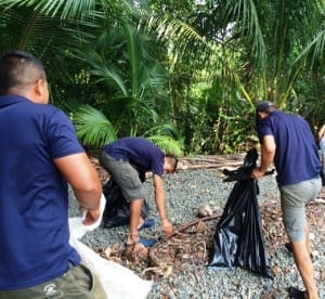 Beach cleanup at Nicuesa Lodge Costa Rica