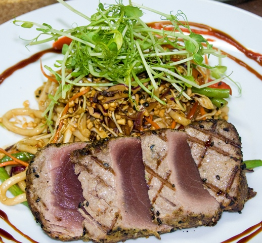Buddha Eyes Restaurant - seared tuna and Asian noodles