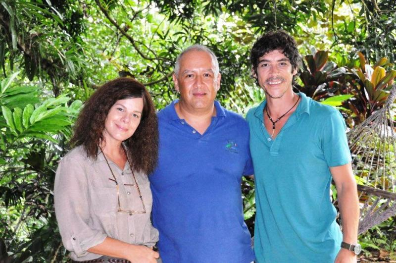 Portasol director Guillermo Piedra with Marcia Gay Harden & Oscar Jaenada from After Words movie filmed at Portasol in Costa Rica