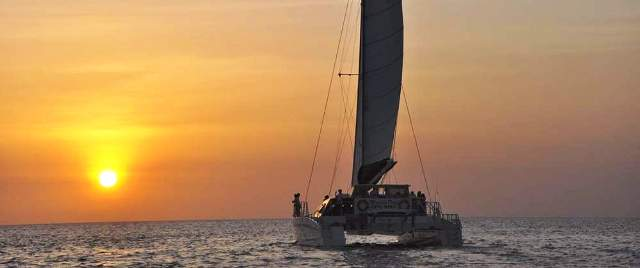 Playa del Coco tours catamaran cruise