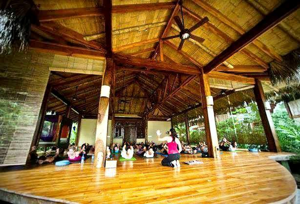 Yoga class at Pranamar Villas, Santa Teresa