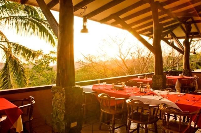 Hotel Hacienda Guachipelin restaurant