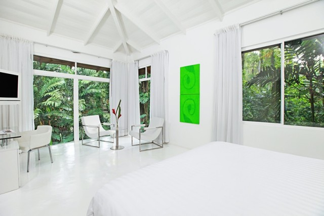 Le Cameleon suite bedroom