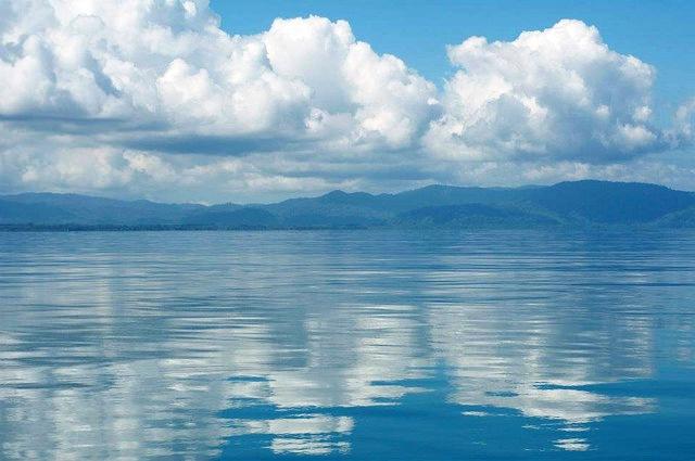 Golfo Dulce blue sky