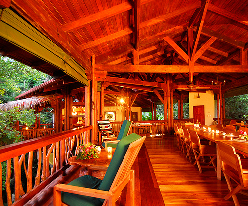 Dining in the tree canopy at Nicuesa Lodge