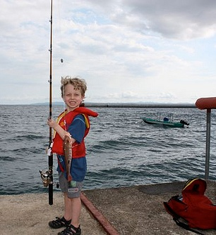 Dock fishing at Playa Nicuesa Lodge