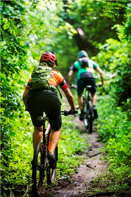 Costa Rica mountain biking tours at Hacienda Guachipelin