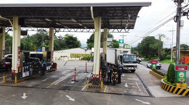 CoopeAtenas gas station in Atenas Costa Rica