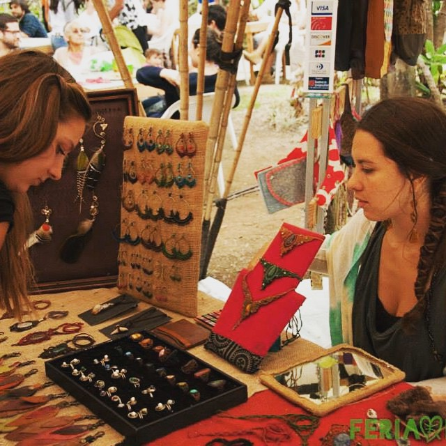 Handcrafts stand at Feria Verde in Aranjuez, photo credit feriaverde.