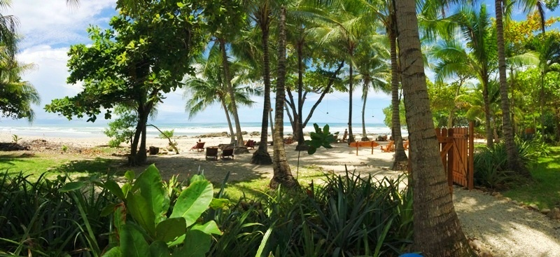 beachfront-hotel-tropico-latino-in-santa-teresa-costa-rica