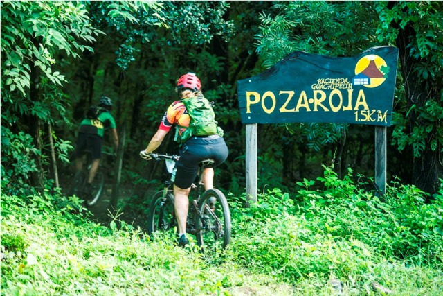 mountain-biking-tours-at-hacienda-guachipelin-in-costa-rica