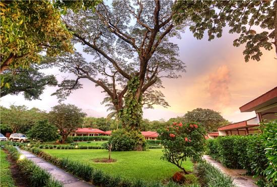 hotel-hacienda-guachipelin-in-costa-rica