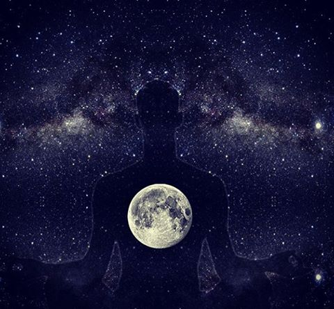 Full moon meditation, image credit k.a.farai.