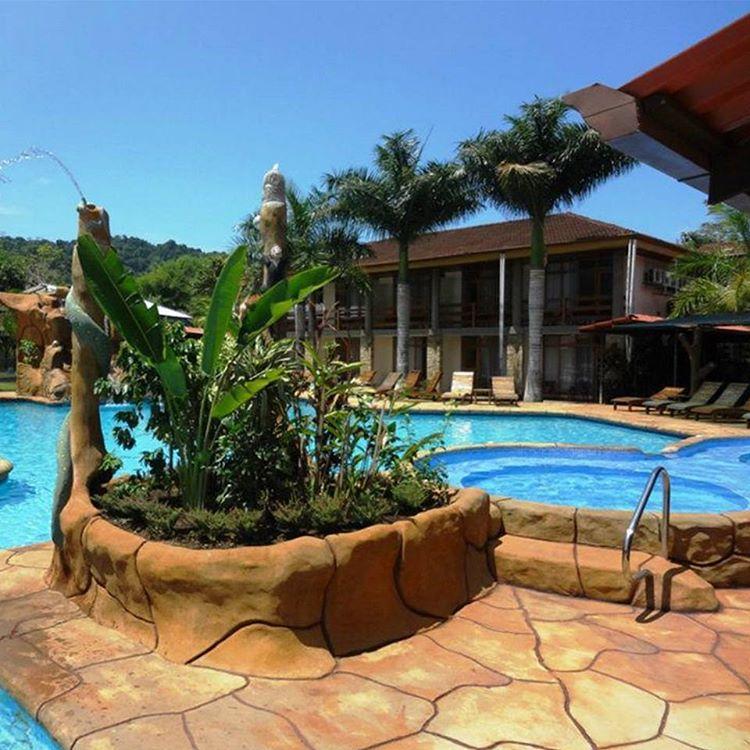 Pool at Hotel Amapola, photo credit hotelamapola.
