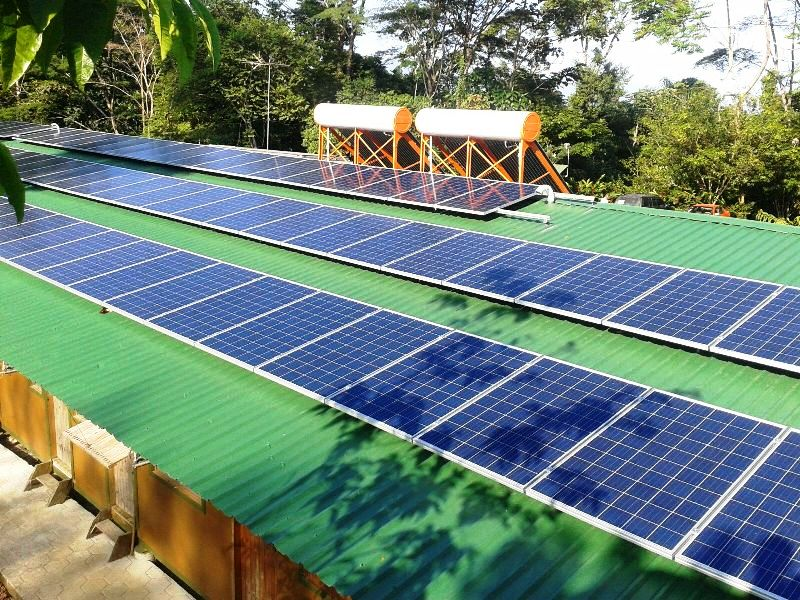 Solar energy system at Veragua Rainforest
