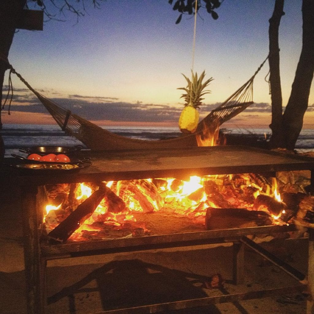 Cooking on the beach, photo by lucianoriotti.