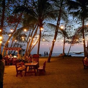 Dining on the beach at Pranamar Villas, photo by lucianoriotti.