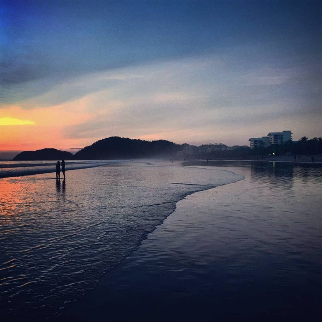 Atardecer playa Jacó, foto hotelamapola.