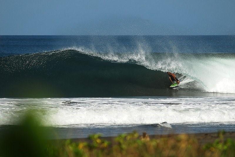 Surfing Playa Negra, Cahuita